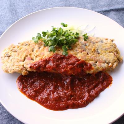 簡単手作りトマトソースで マッシュルームオムレツ