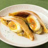 半熟卵入り食パンで焼きカレーパン