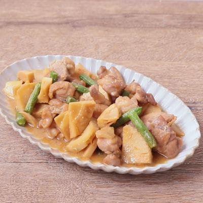 タケノコと鶏肉の味噌煮込み