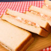彩り鮮やか!明太子サンドイッチ!