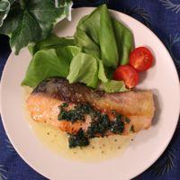 塩麹で簡単!ふんわり鮭のソテー