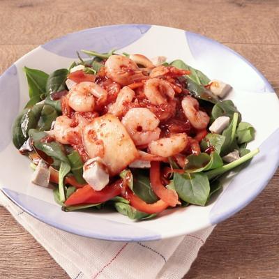 えびとキムチのピリ辛サラダ