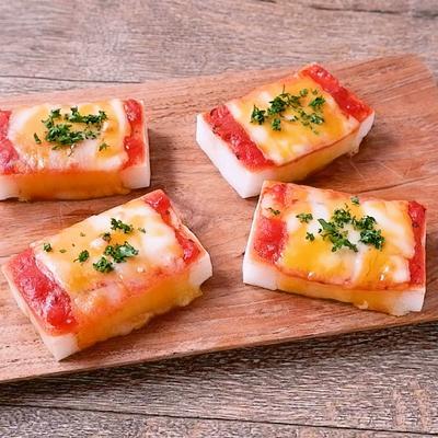 とろーりコルビージャックチーズのもちピザ風