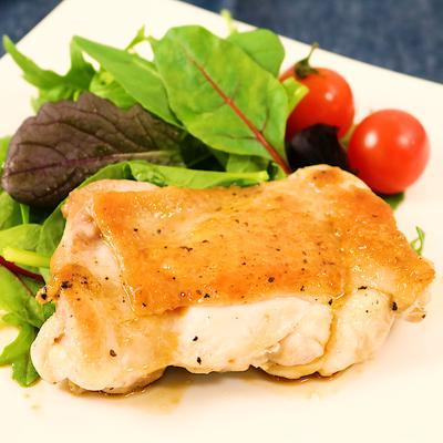 皮パリパリ 鶏もも肉のステーキ 照り焼きソースがけ