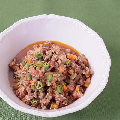 牛ひき肉と青唐辛子の辛旨ミートソース