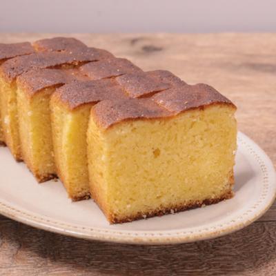 香ばしい粉チーズパウンドケーキ