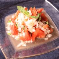 簡単前菜!新玉ねぎとトマトのバジルマリネ