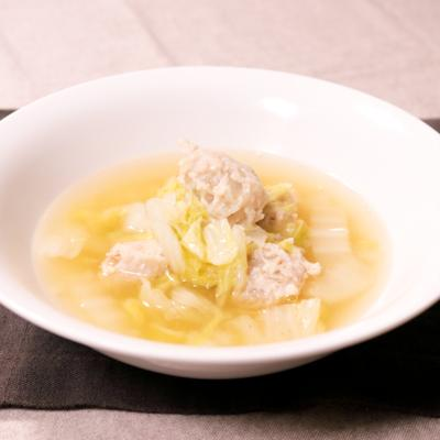 白菜と鶏肉団子のあったかスープ
