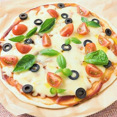 生地から自家製なのに簡単ピザ