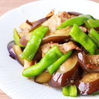 万願寺とうがらしと豚バラ肉のゆず胡椒炒め
