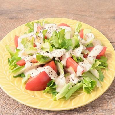クミンヨーグルトソースで味わう セロリ丸ごとサラダ