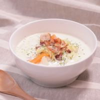 カリカリベーコンと白菜のミルクスープ
