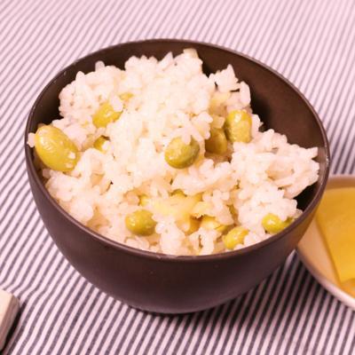 生姜香る  簡単枝豆と生姜の炊き込みごはん