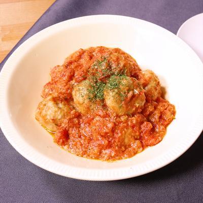 チーズ入り肉団子のトマトソース煮