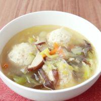 鶏団子入り 中華風春雨スープ