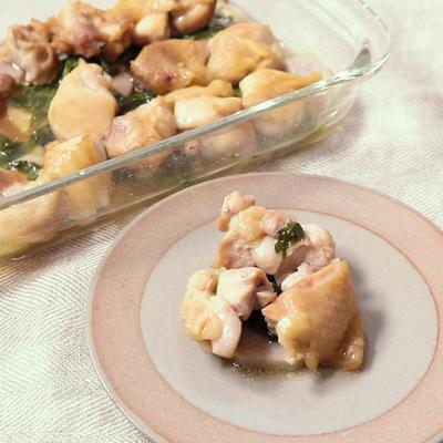 大葉香る鶏もも肉と里芋のレンチン蒸し