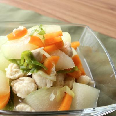 沖縄家庭料理 シブイ(冬瓜)とささみの冷菜