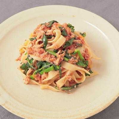 のらぼう菜とツナのトマトパスタ