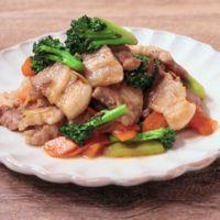 厚切り豚バラ肉とブロッコリーの炒め物