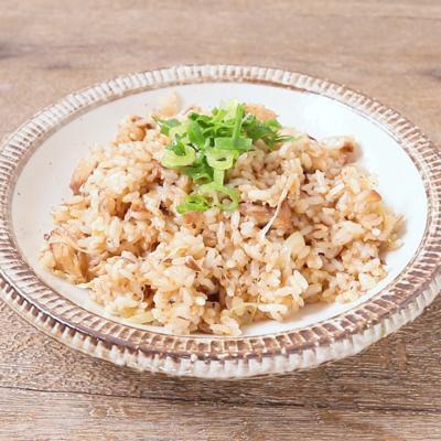 鯖の味噌煮缶で 簡単チャーハン