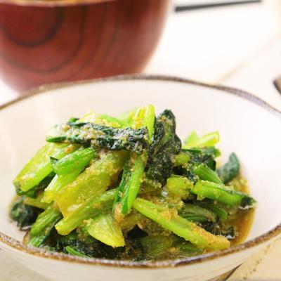 シンプルでおいしい 小松菜のごま和え