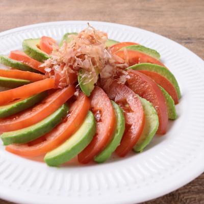 アボカドとトマトのカルパッチョ風サラダ