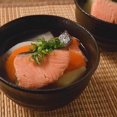 優しい味わい 鮭のさんぺい汁