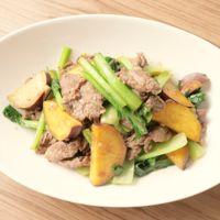 小松菜と牛肉とさつまいもの五香粉炒め