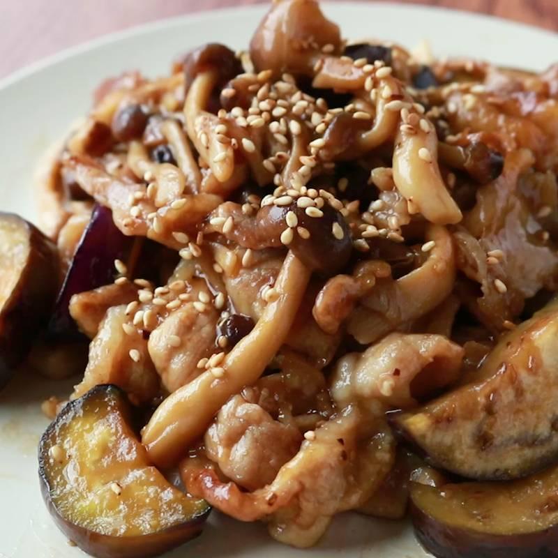 しめじ 豚肉 なす 【なす×豚肉炒め】定番の美味しい味付け5選|炒め方のコツも解説