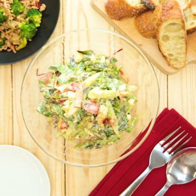 ゆで卵とアスパラのシーザーサラダ