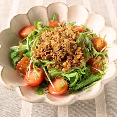 余った節分豆で 水菜と福豆のカリカリサラダ