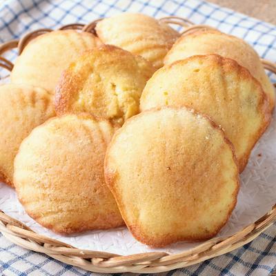 バナナココナッツマドレーヌ