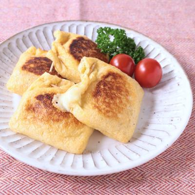 チーズがとろーり 笹かまぼこの油揚げ焼き