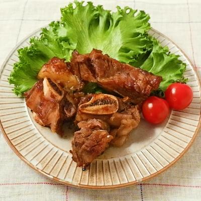 骨付き牛カルビ肉のマーマレード焼き