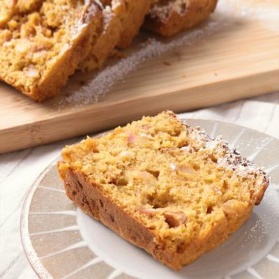カラメルりんごとナッツのパウンドケーキ