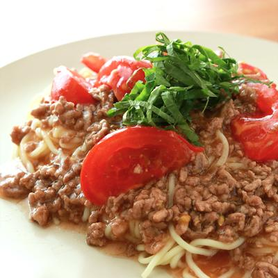 一皿でお腹いっぱい トマトそぼろのあんかけ焼きそば