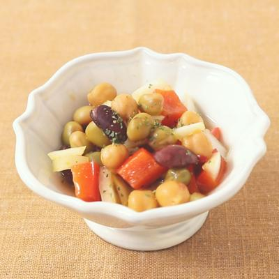 カレー風味の豆のピクルス