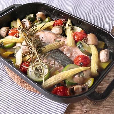 グリルパンで サーモンと野菜の香草焼き