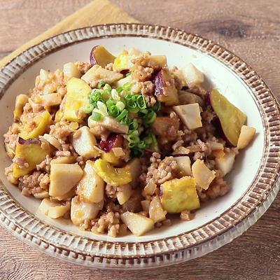 ごはんのお供に 里芋とさつまいものピリ辛肉みそ炒め