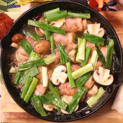 牡蠣とベーコンのアヒージョ