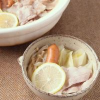 豚バラとキャベツのあっさりレモン鍋