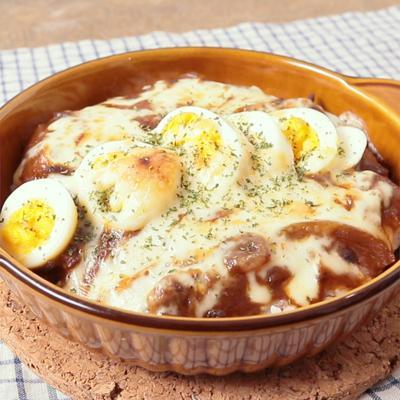 ハッシュドビーフとゆで卵のお手軽ドリア