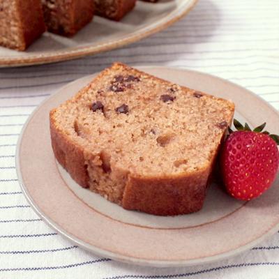 チョコチップ入りいちごパウンドケーキ