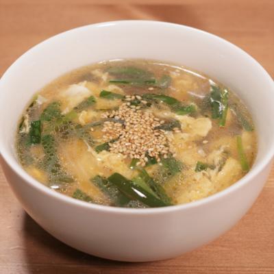 ふわふわ卵とニラの春雨スープ