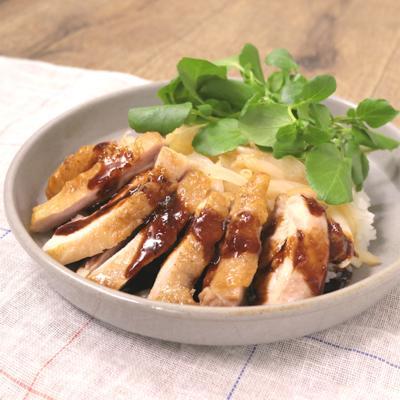 鶏もも肉のガーリックステーキ丼
