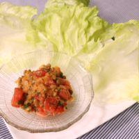 お洒落なサラダに!ピリ辛トマト納豆のレタス包み