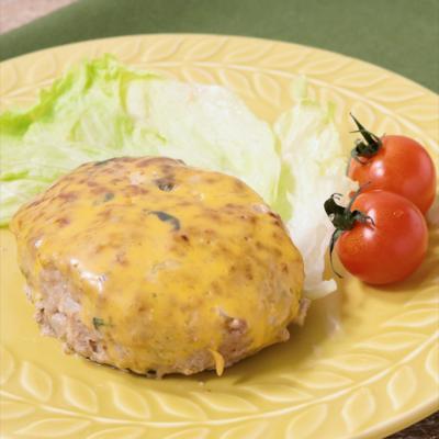 バジル香る チーズハンバーグ