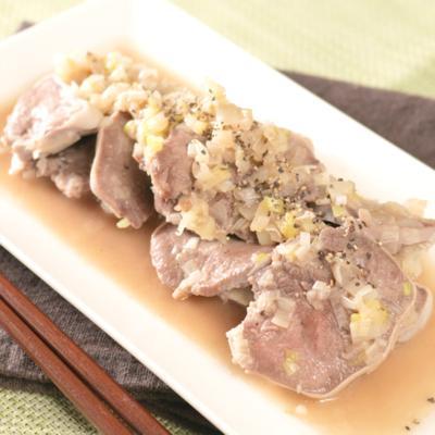 簡単おつまみ 長ネギと豚タンのねぎ塩炒め