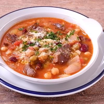 牛すね肉と豆のトマトスープ