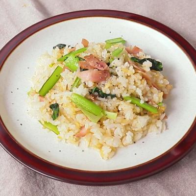 ガーリック香る 小松菜とベーコンの和風チャーハン